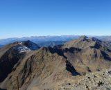 Pireneje – w tle lodowiec i Pico de Aneto