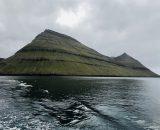 Widok z promu na Wyspę Borðoy
