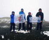 Na najwyższym szczycie Wysp Owczych – Slættaratindur zaliczony. Zimno i wieje…jak to na Owczych