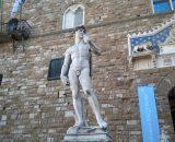 Dawid – kopia rzeźby Michała Anioła stoi na Piazza della Signoria