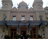 Casino Monte-Carlo, za 17 euro można zwiedzić wnętrze kasyna ale UWAGA po godzinie 14 obowiązują stroje wieczorowe ;)